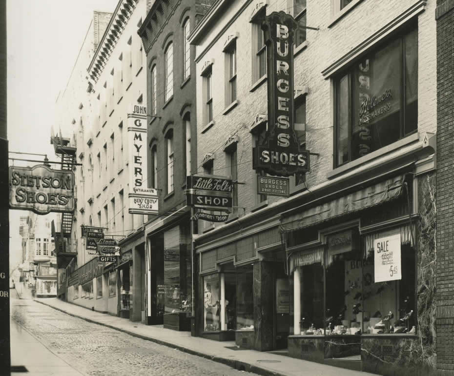old_signage_APL_Albany_New_York_Commercial_Streets_Maiden_Lane_Looking_West.jpg