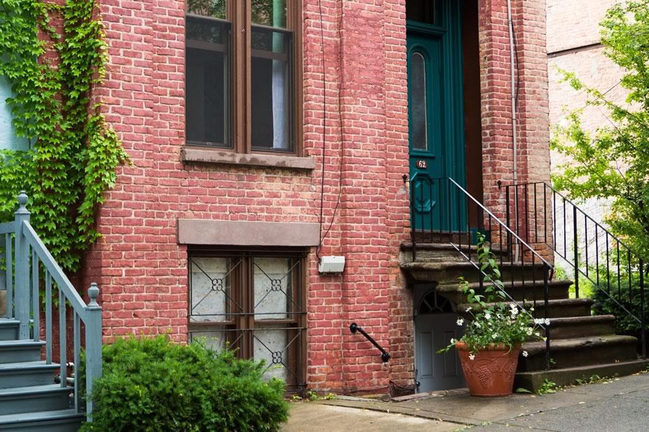 open_house_kirchman_mansion_neighborhood_front_closeup.jpg