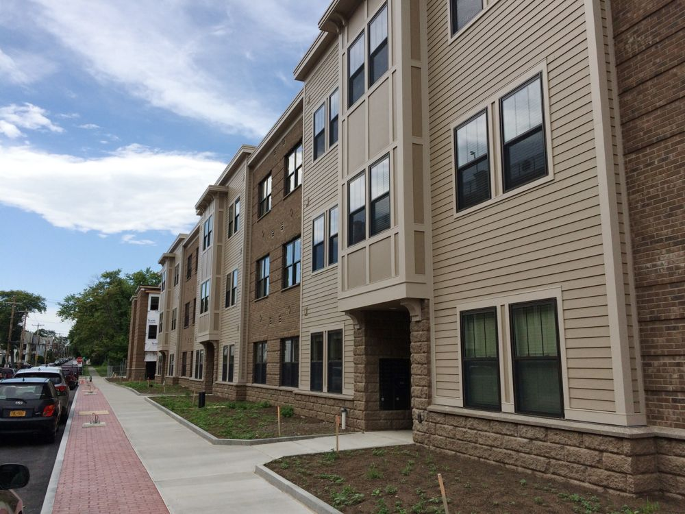 the first group of park south redevelopment apartments are renting and there 39 s a chipotle. Black Bedroom Furniture Sets. Home Design Ideas