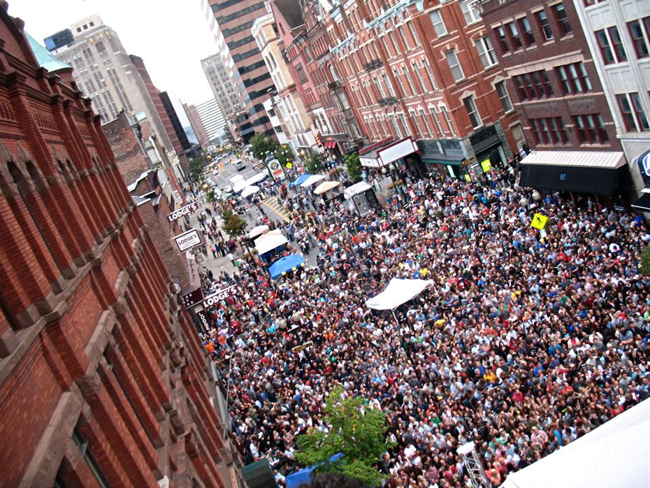 pearl palooza crowd