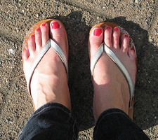 pedicure toes flip flops