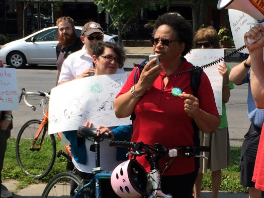 protected_bike_lane_rally_2015-07-28_arnelle_Coqueran.jpg