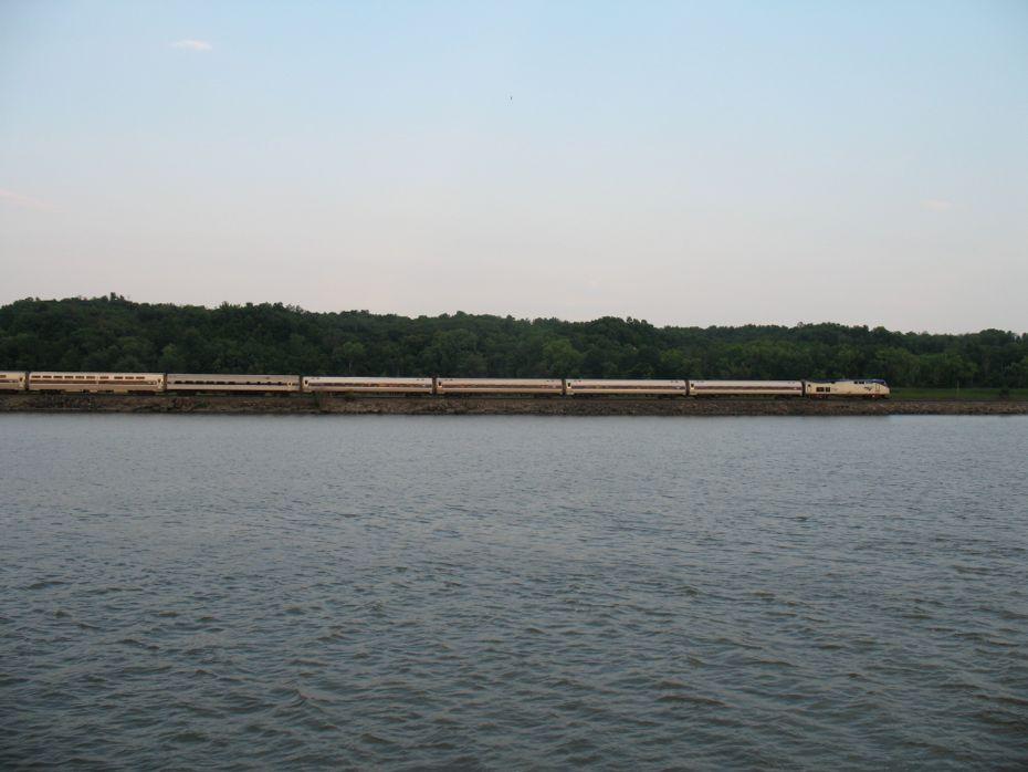 rail_river_hudson_2014_73.jpg