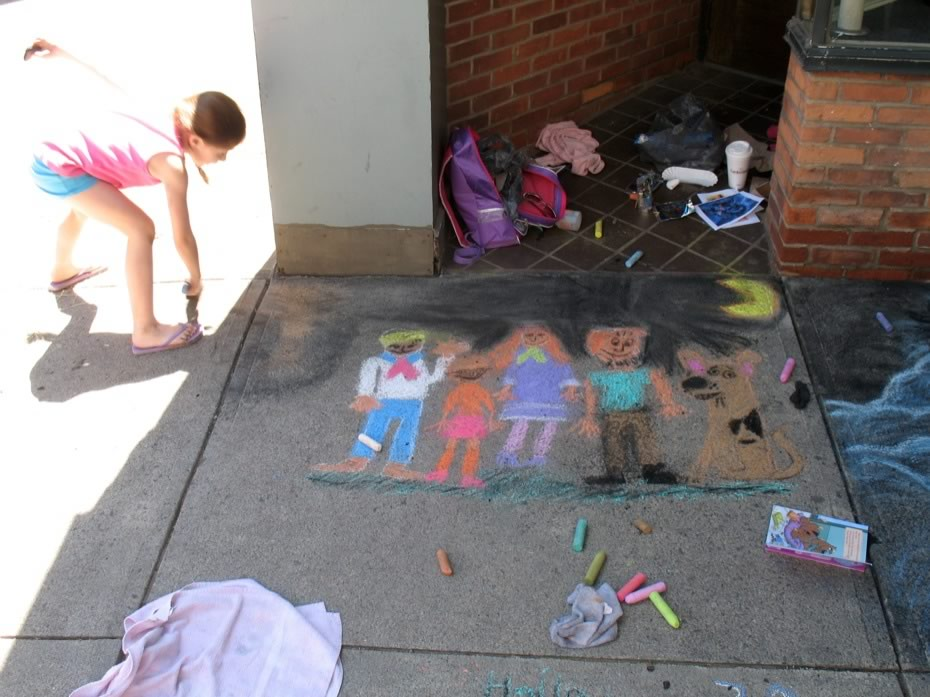 river_street_festival_2013_sidewalk_painting_17.jpg