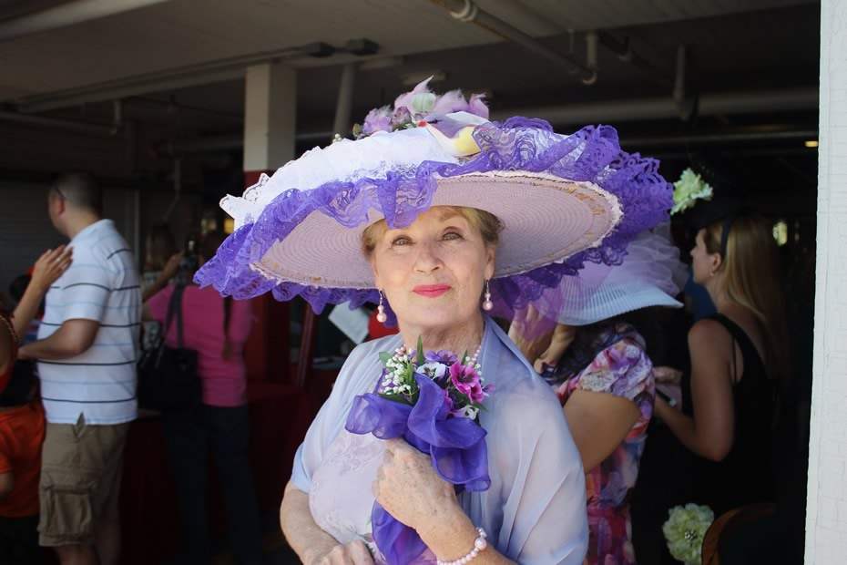 saratoga_hat_day_2014_Donna_Cerasuolo_close_up.jpg