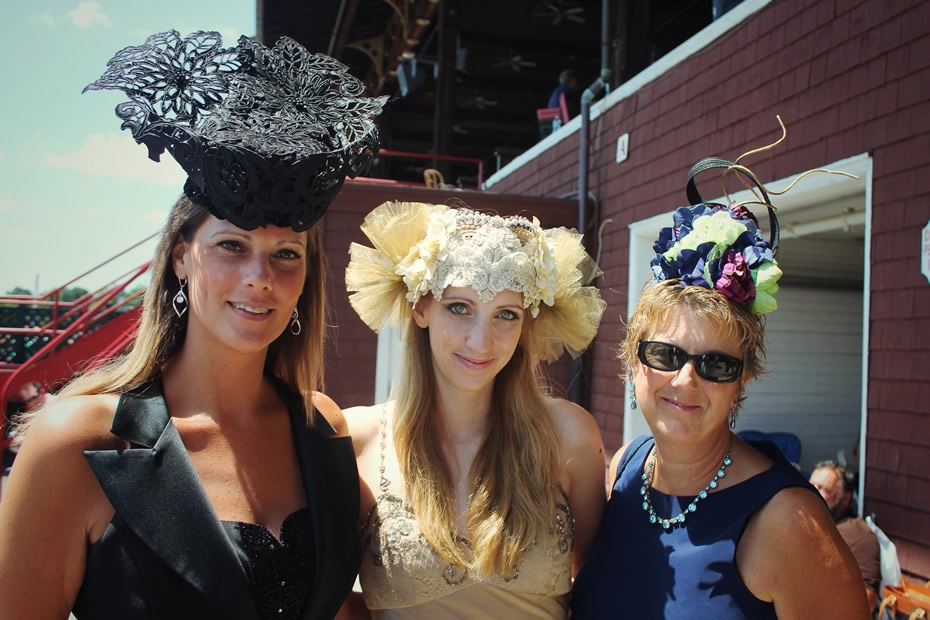 saratoga_hat_day_2014_fashionable_saratoga_closeup_entrants_.jpg