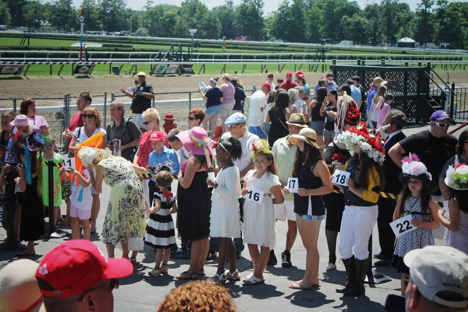 saratoga_hat_day_2014_kids_contestants.jpg