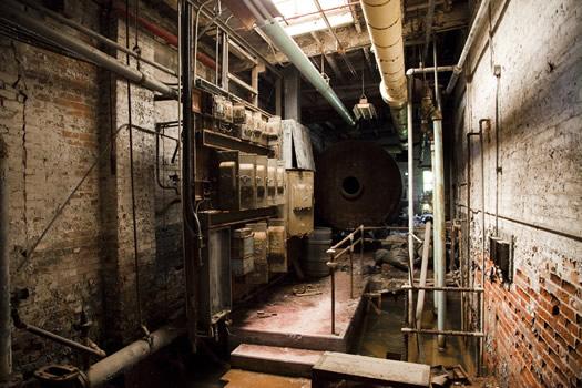 Sebastien Gloversville factory