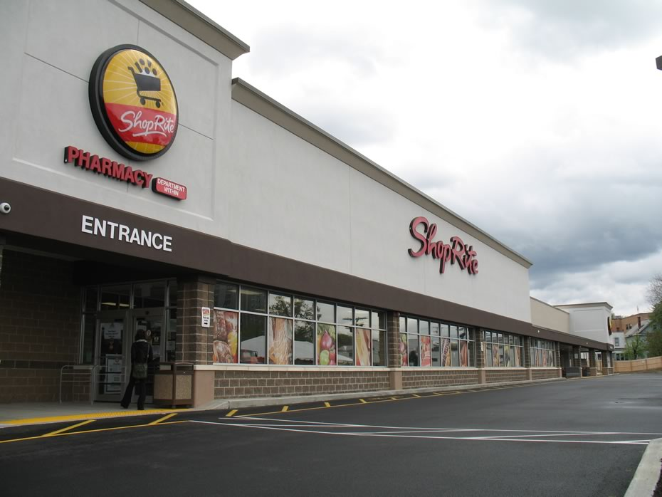 shoprite_albany_exterior_2012-04-24.jpg