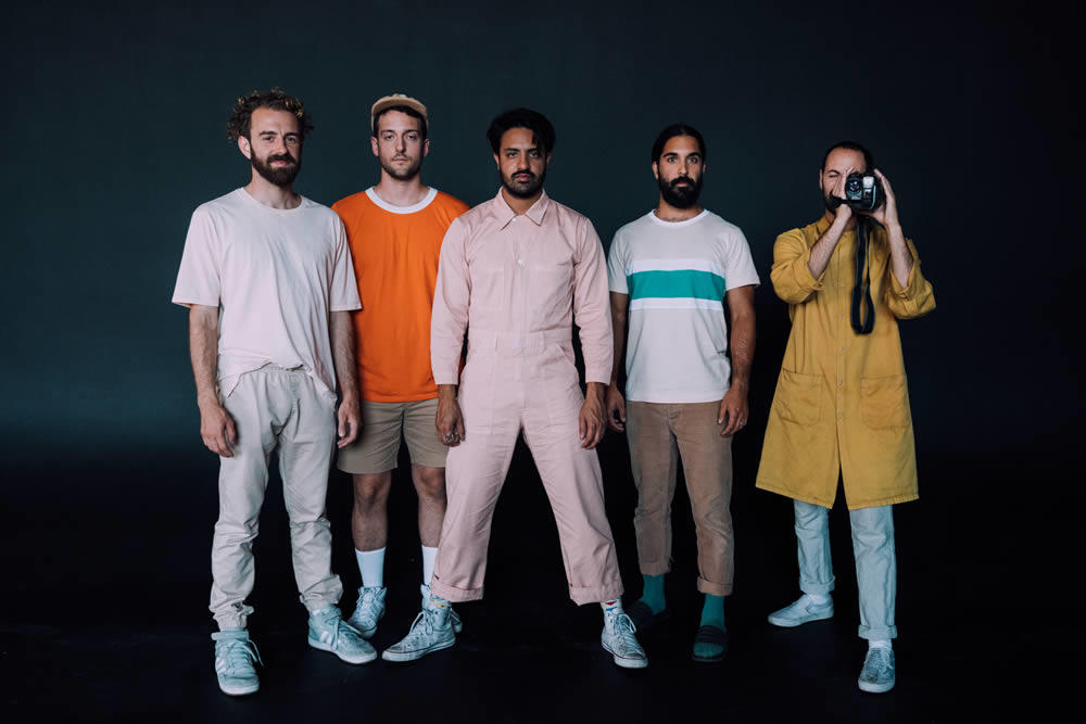 the band Young the Giant 2018