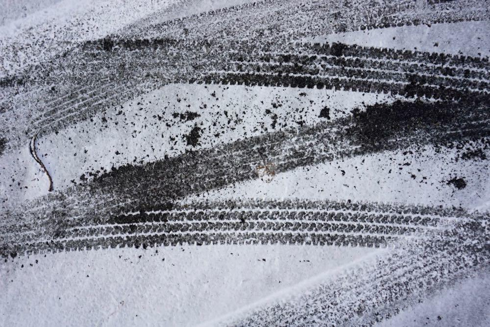 tire tracks in snow 2018-11-14