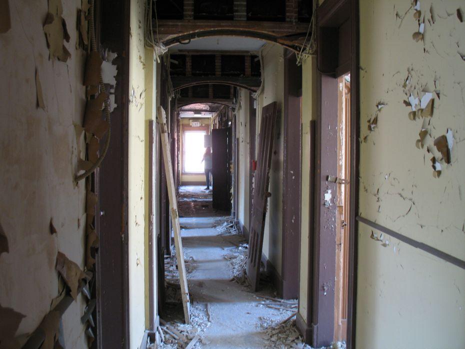 trojan_hotel_pre_renovation_15.jpg