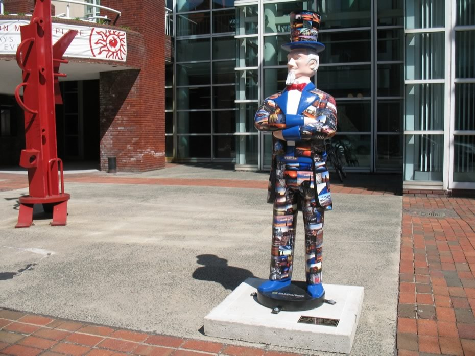 troy_uncle_sam_statues_16.jpg