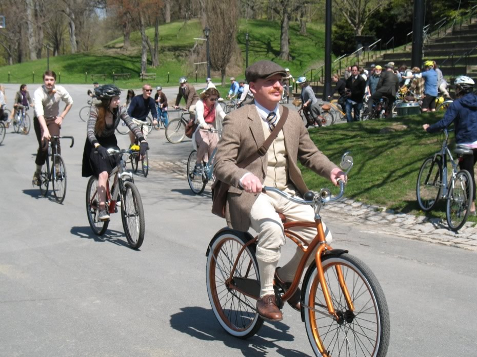 tweed_ride_2013_7.jpg