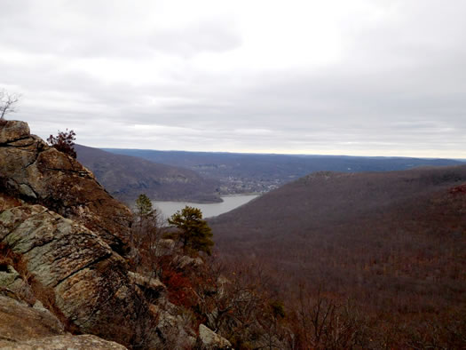 view_from_storm_king_mountain.jpg