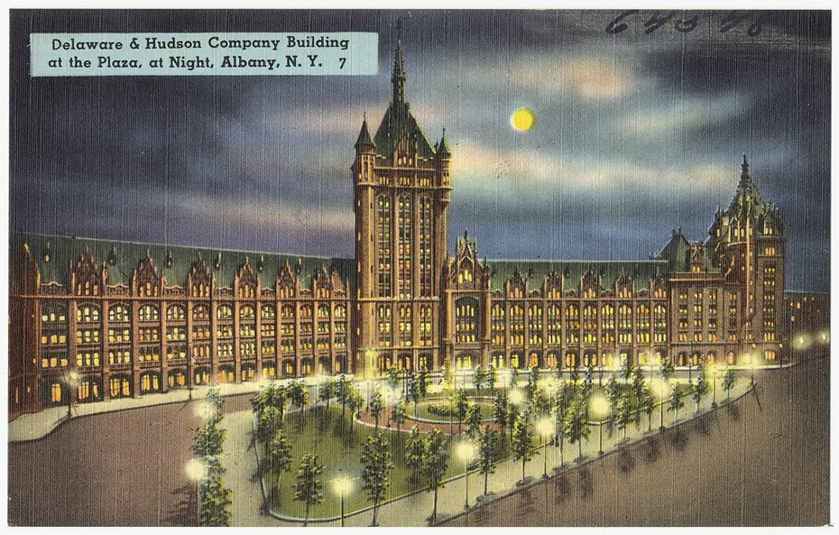 vintage_Albany_postcards_Delaware_and_Hudson_building_night.jpg