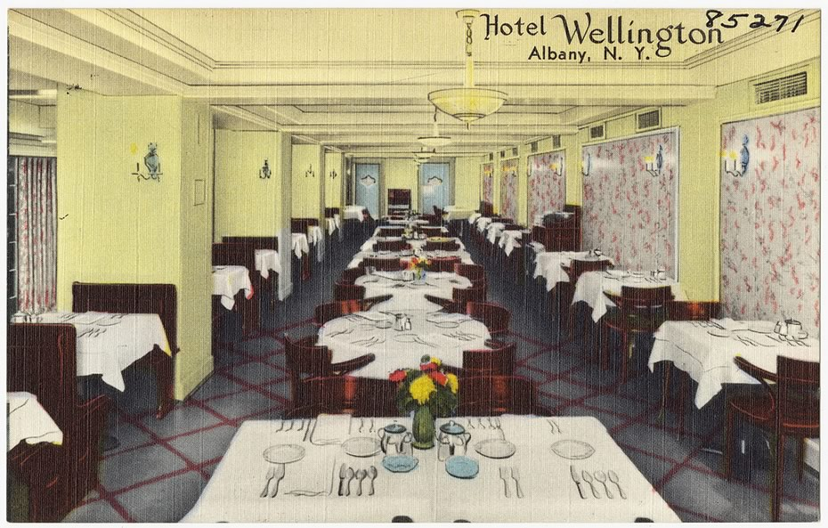 vintage_Albany_postcards_Wellington_Hotel_dining_room.jpg