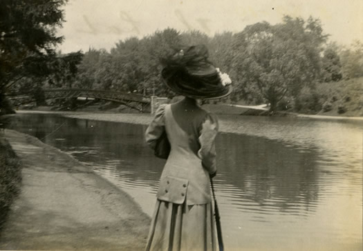 woman in hat Washington Park 1910