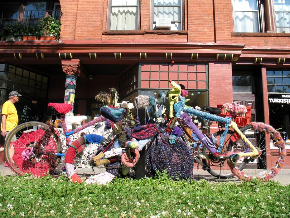 yarn bomb bikes saratoga 2
